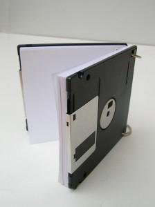 Делаем блокнот из старых дискет
